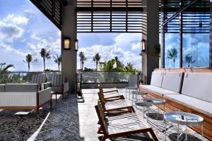 kimpton-ave-rest-terrace-lounge_6179